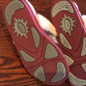 UGG Shoes - UGG red pink and grey pattern slippers